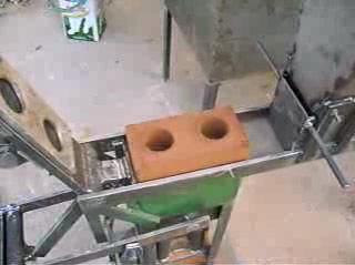 Станок для изготовления кирпича: видео-инструкция 34