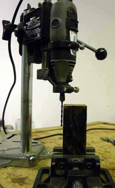 Крепление лезвия в цельную деревянную рукоять