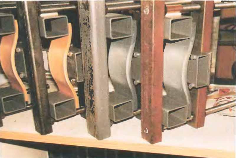 Устройство для испытания пластмассовых труб на деформации