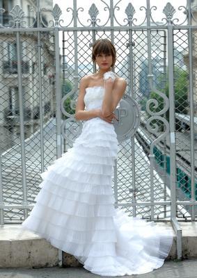 Поставка свадебных платьев