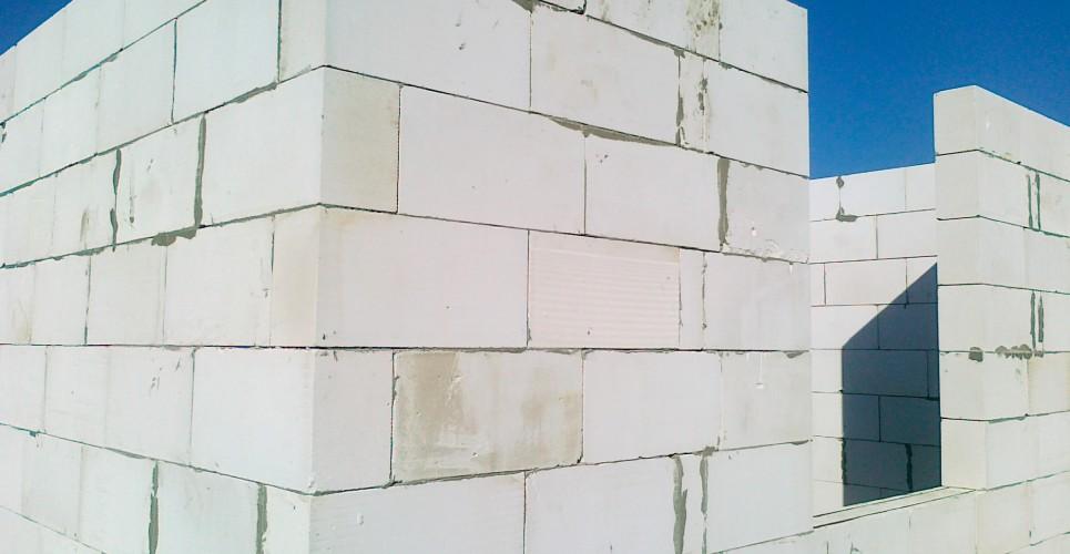 газобетон в стене