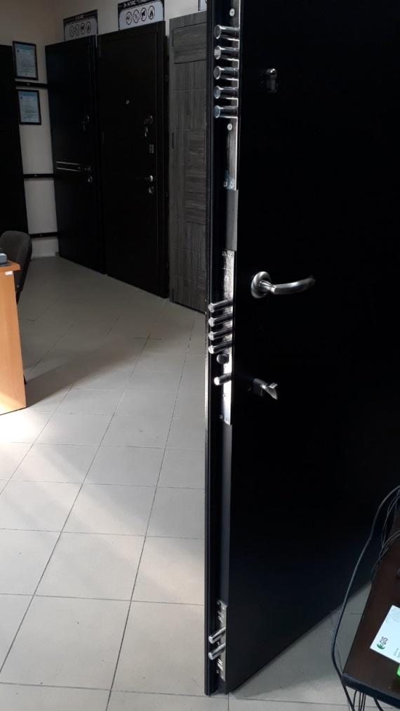 фото бронированной двери 5 класса