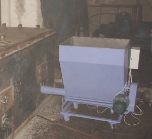 Подача пеллет автоматическая в печь