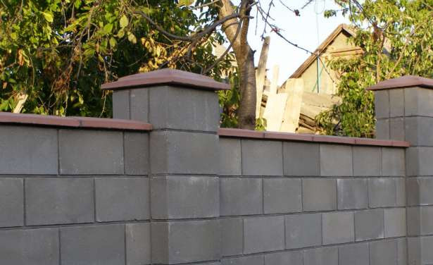 Забор из французского камня